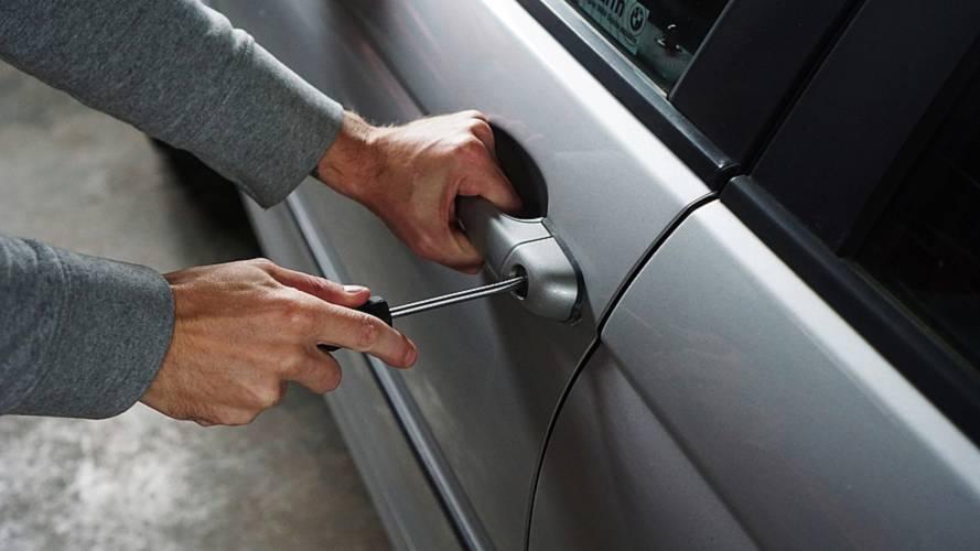 Calano i furti auto, ma anche i ritrovamenti