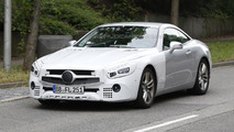 Mercedes-Benz SL facelift continues to hide minor design tweaks in latest spy shots
