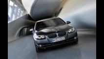 Novo BMW Série 5 é revelado oficialmente - Veja galeria de fotos em alta resolução