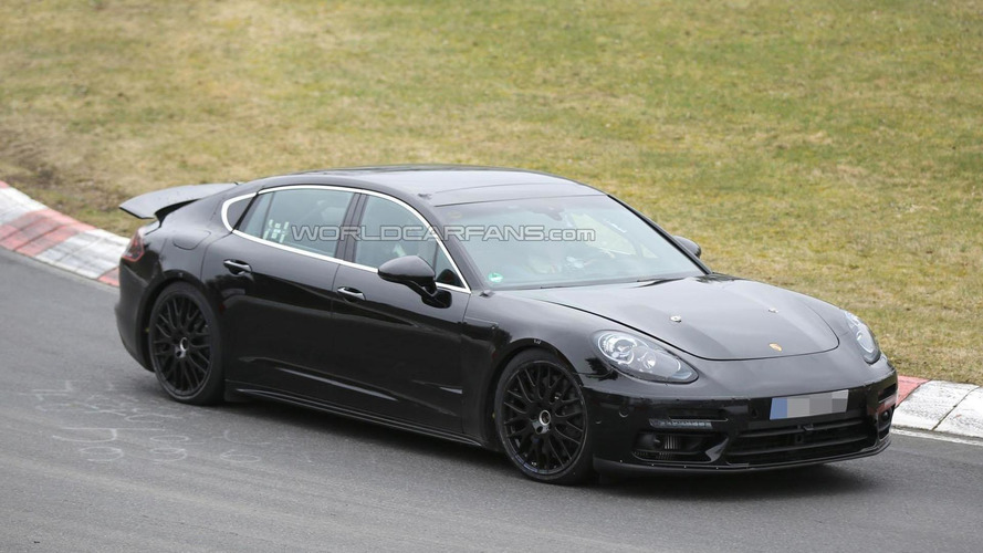 2016 Porsche Panamera tackles the Nurburgring