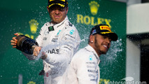 Podium: winner Nico Rosberg, Mercedes AMG F1 Team, second place Lewis Hamilton, Mercedes AMG F1 Team celebrate with champagne