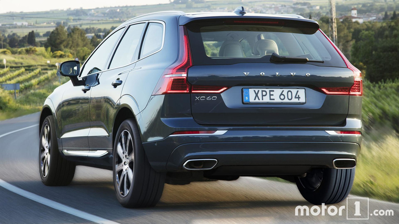Comparatif le volvo xc40 face son grand fr re xc60 for Interieur xc40