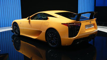 Lexus LFA Nürburgring Edition revs its engine [video]