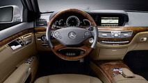 Mercedes-Benz S-Class 2009 with AMG Sports package