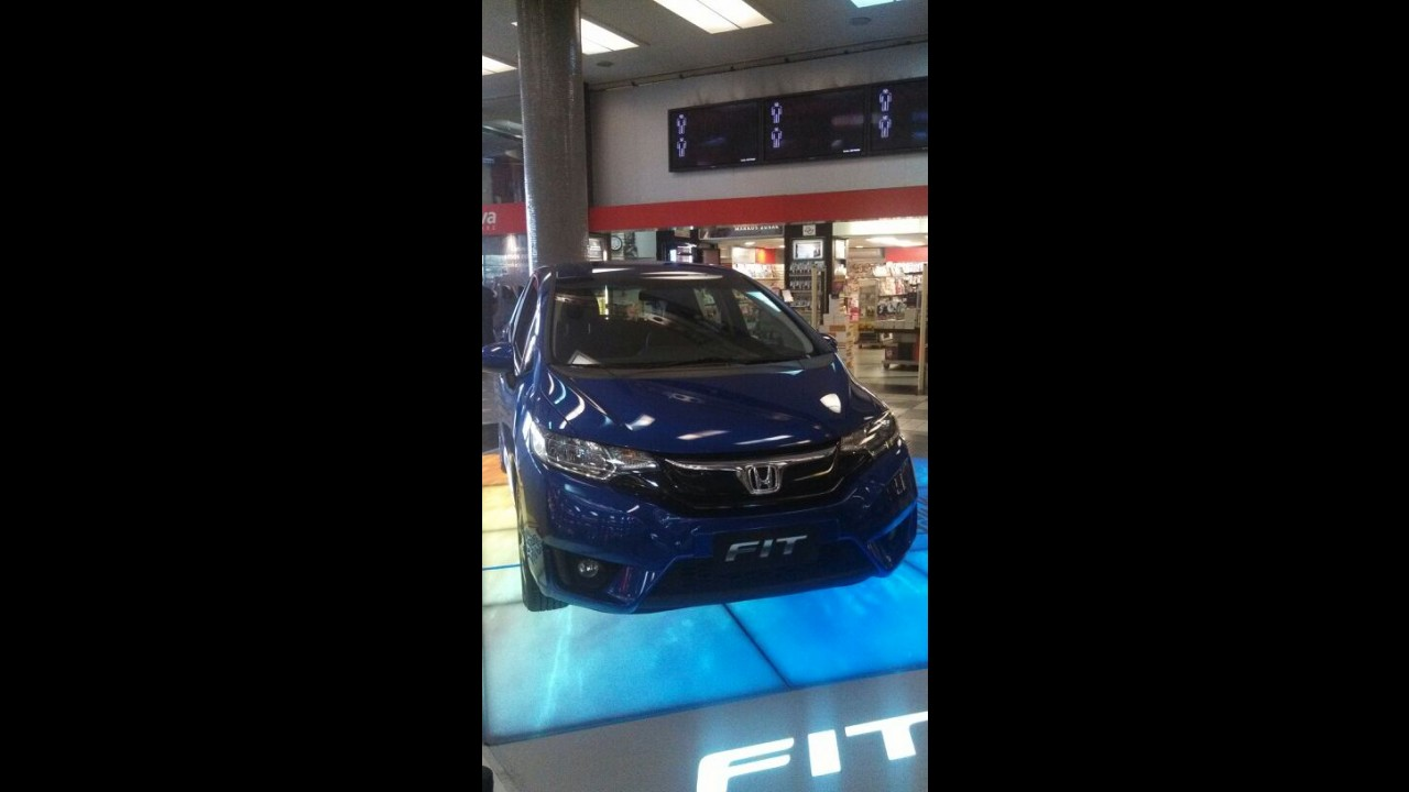Honda repete estratégia da Nissan e exibe novo Fit em aeroporto de SP