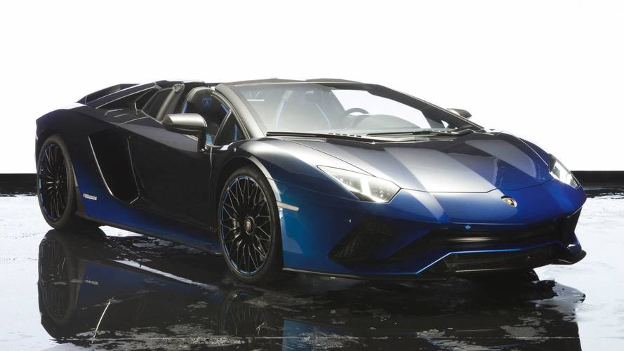Öt különleges Avantador S Roadstert visz Japánba a Lamborghini