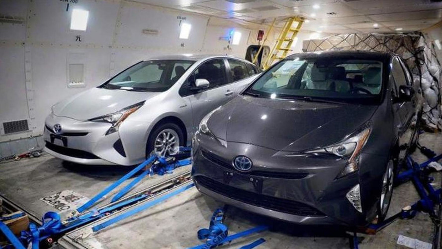 New Toyota Prius photographed completely undisguised