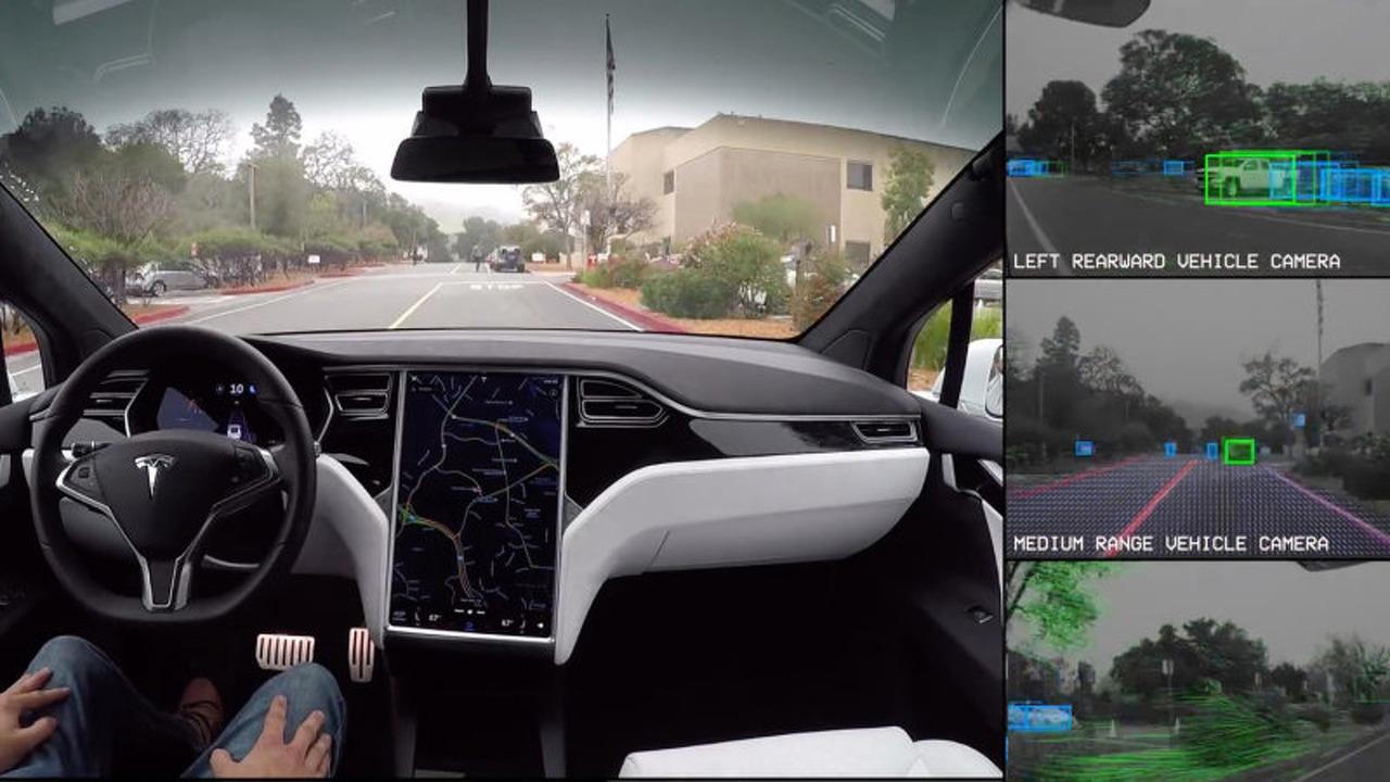 Tesla aracı, otonom sürüş esnasında yolu nasıl görüyor?