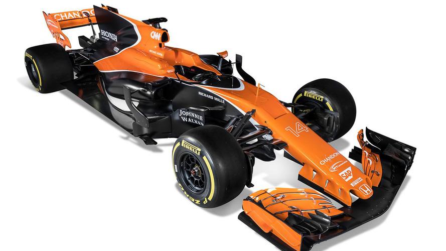 Merakla beklenen McLaren-Honda MCL32'nin örtüleri kaldırıldı