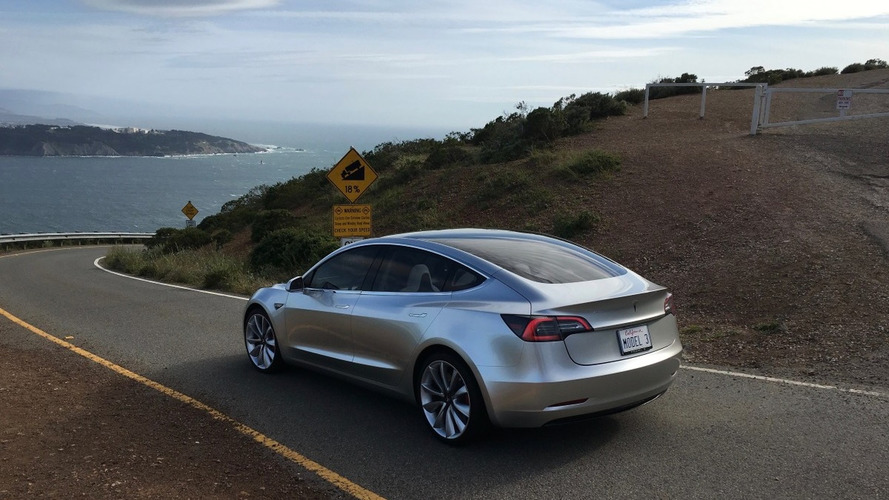 Tesla Model 3 could have new solar roof technology