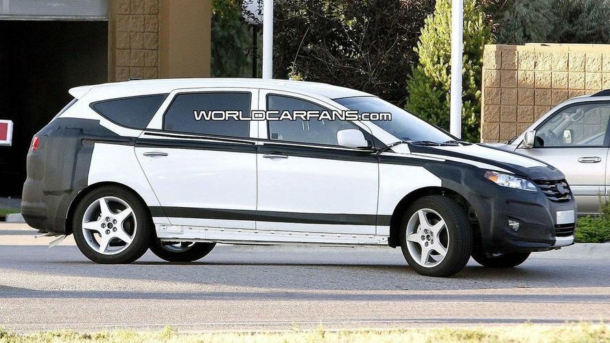 Hyundai Portico Shows More Skin for Spy Photographers