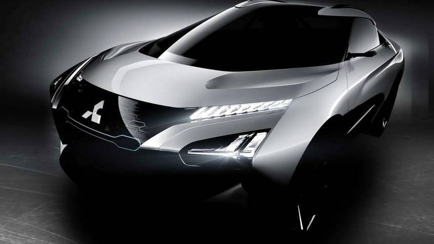 A vezetőt oktatja a Mitsubishi új, e-Evolution nevű tanulmánya