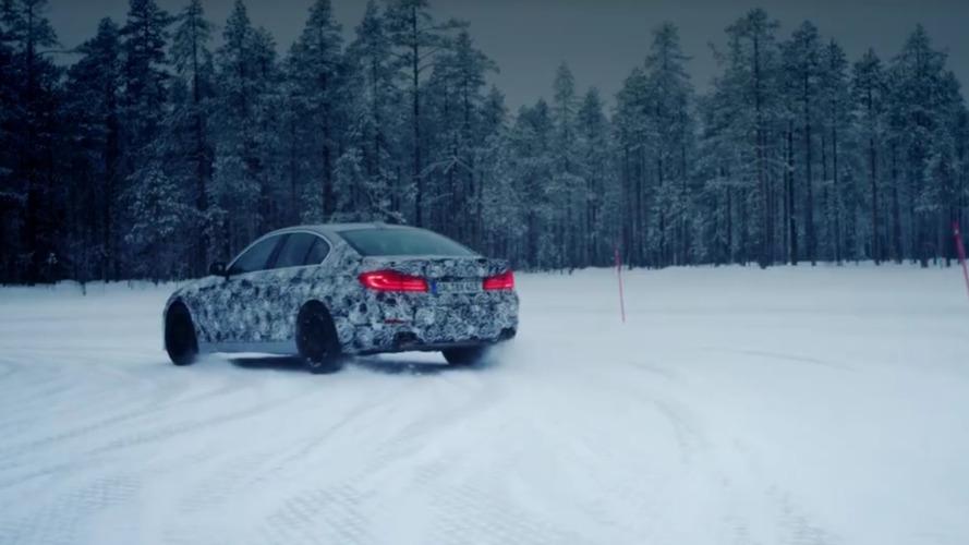 2018 Alpina B5 Cenevre öncesinde kar molası veriyor