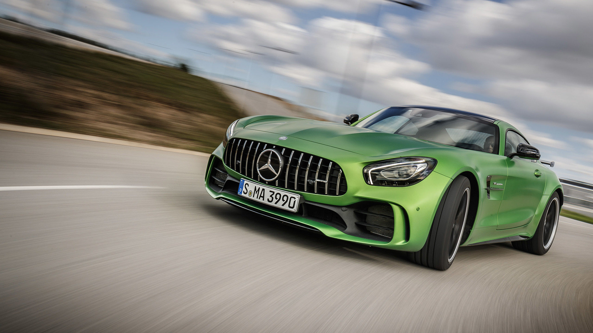 mercedes benz amg gt r news and reviews. Black Bedroom Furniture Sets. Home Design Ideas