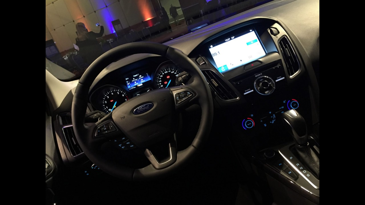 Ford Focus 2017 estreia SYNC 3 com Apple CarPlay e Android Auto