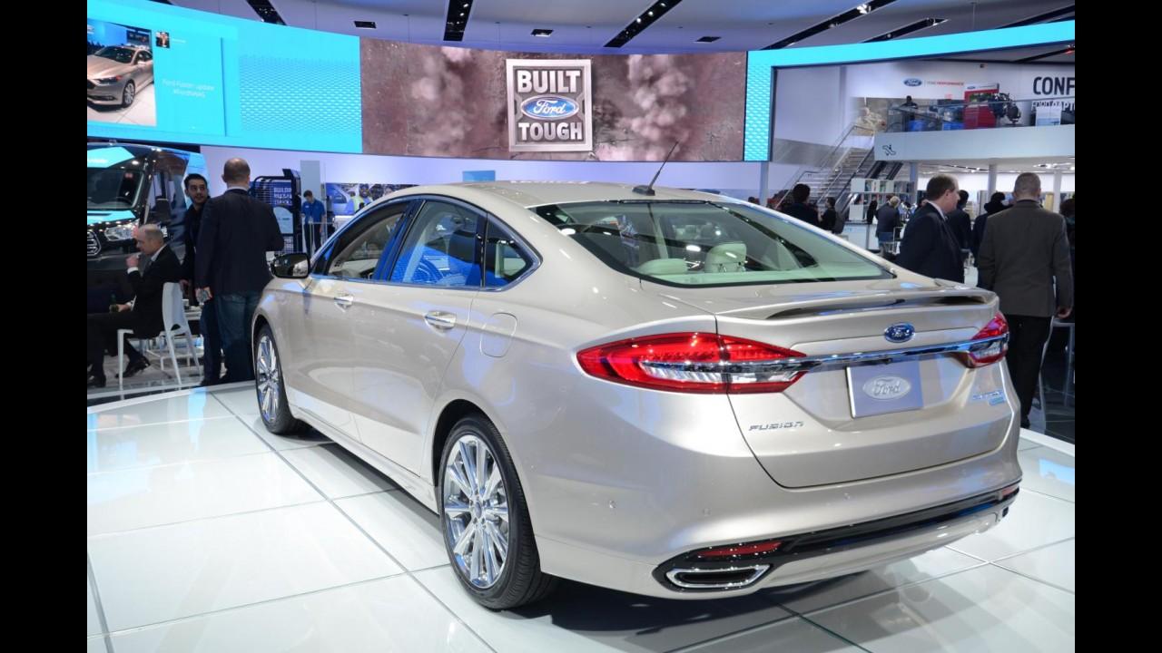 Novo Fusion 2017 terá versão Ecoboost de R$ 125 mil para brigar com o Civic Touring