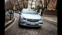 """Opel Astra: l'auto a cui basta """"chiedere"""" [VIDEO]"""