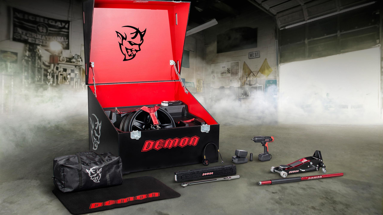 Dodge Challenger SRT Demon alet çantası
