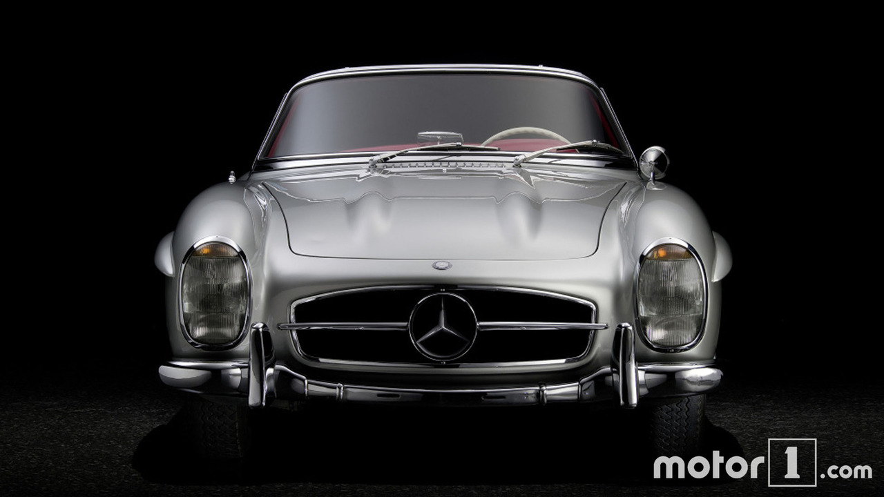 photos la mercedes 300 sl roadster f te ses 60 ans. Black Bedroom Furniture Sets. Home Design Ideas