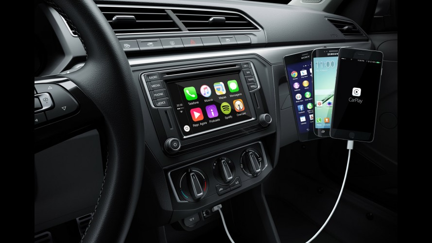 novo gol 2017 vw divulga primeira imagem com apple carplay e android auto. Black Bedroom Furniture Sets. Home Design Ideas