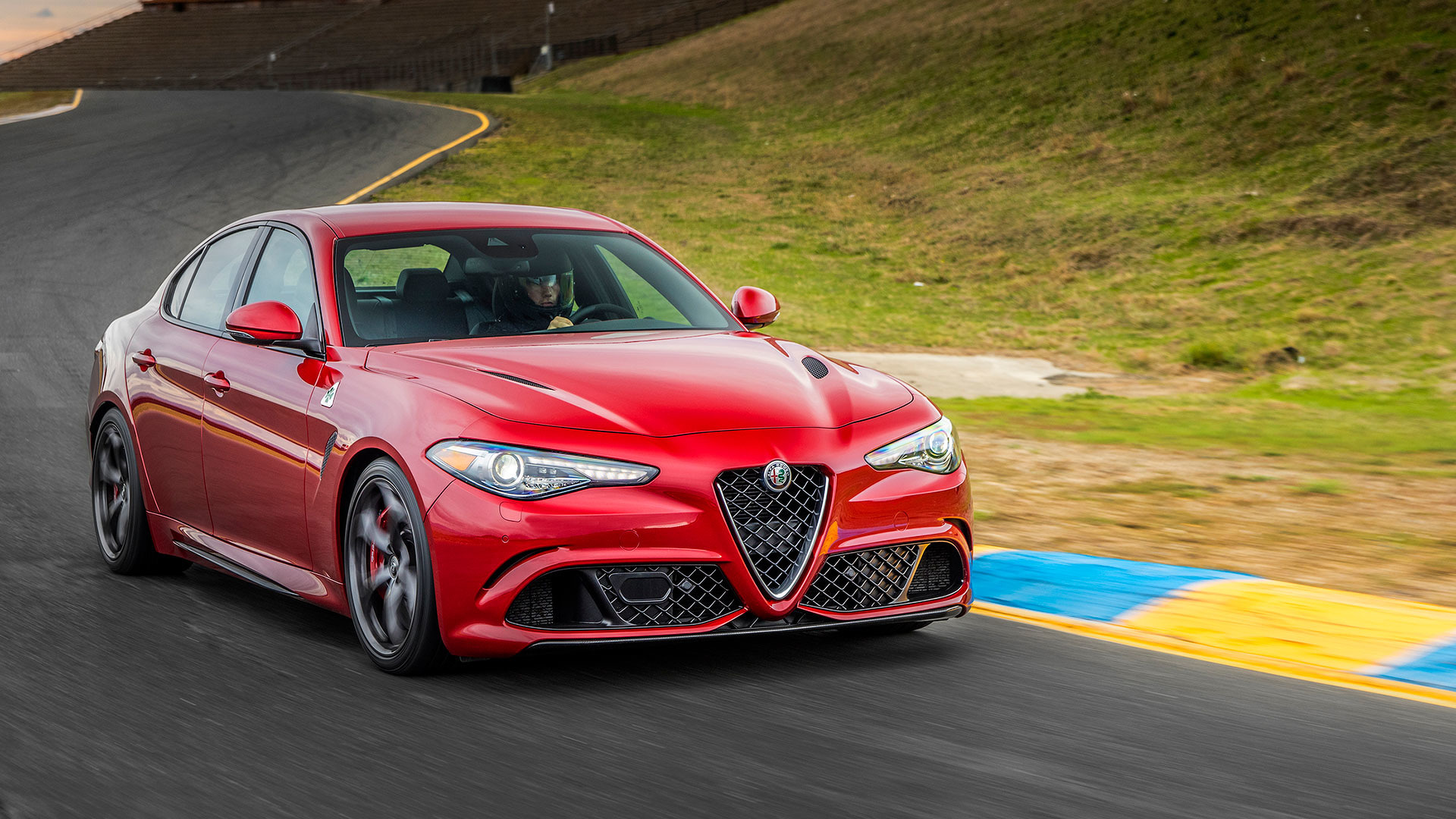 alfa romeo 39 s usa comeback everything you need to know. Black Bedroom Furniture Sets. Home Design Ideas