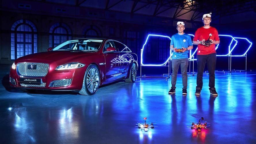 Jaguar, XJ'den esinlenen bir drone yarışı yaptı