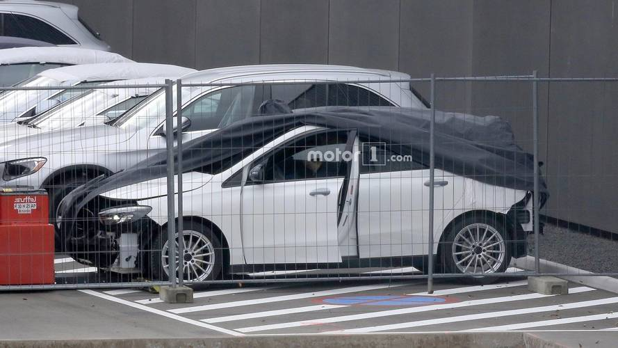 2019 Mercedes B-Serisi tamponsuz yakalandı