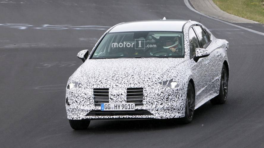 All-New Hyundai i40 Spied With Production Body [UPDATE]