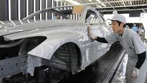 2017 Infiniti Q60'ın üretimi başlıyor