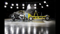 Volvo XC90, il sistema di assorbimento dell'energia verticale dopo un urto