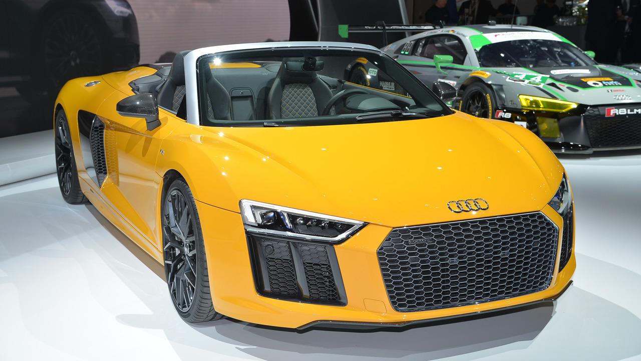 Audi audi r8 spyder v10 : 2017 Audi R8 V10 Spyder live in New York | Motor1.com Photos