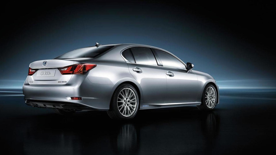 Lexus GS 300h arrives in Frankfurt