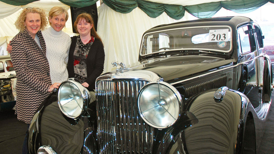 It's old friends reunited after classic Jaguar purchase