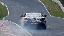 Aston Martin Vantage V8 casus fotoğrafları