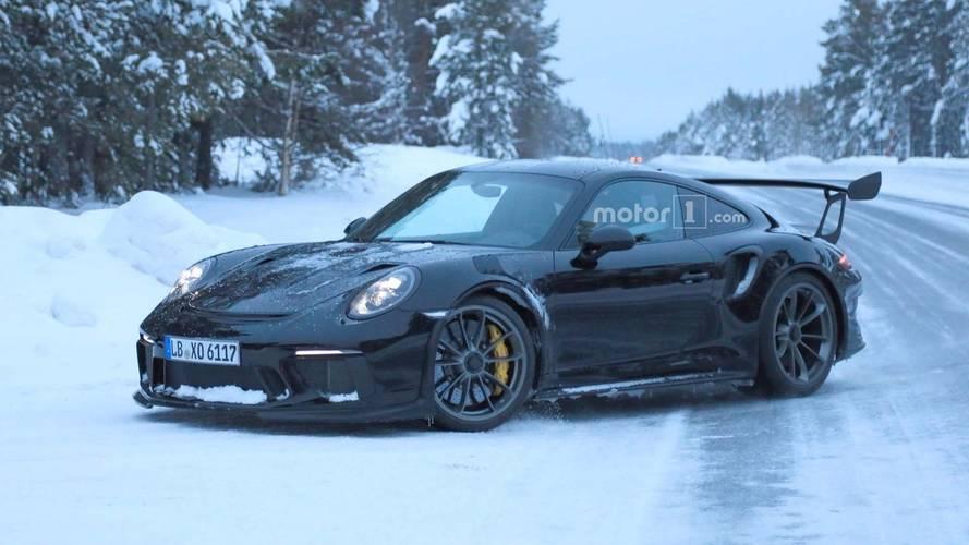 Makyajlı Porsche 911 GT3 RS kamuflajsız görüldü