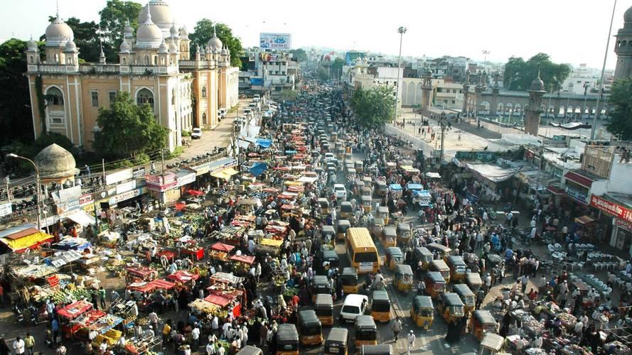 Trafikte günde 400 kişinin öldüğü Hindistan'da hükümet düğmeye bastı