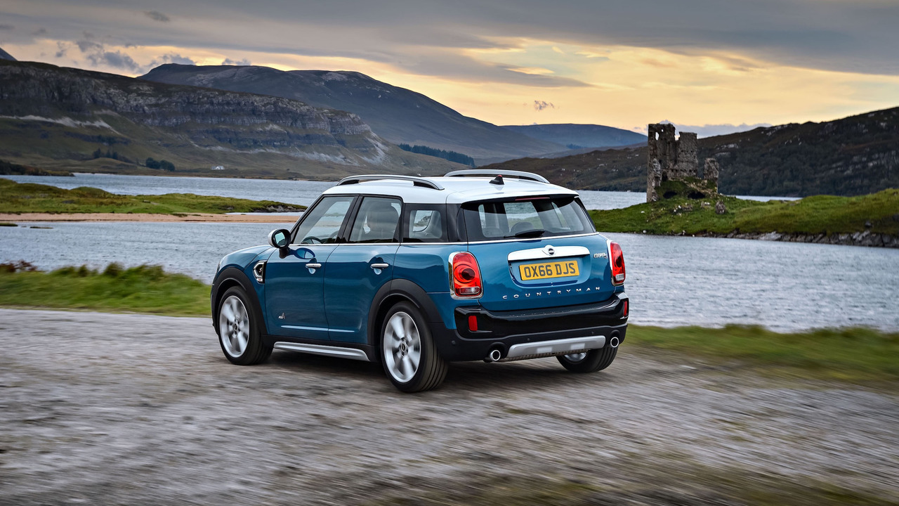 second gen 2017 mini countryman unveiled offers the brand 39 s first plug in hybrid variant. Black Bedroom Furniture Sets. Home Design Ideas
