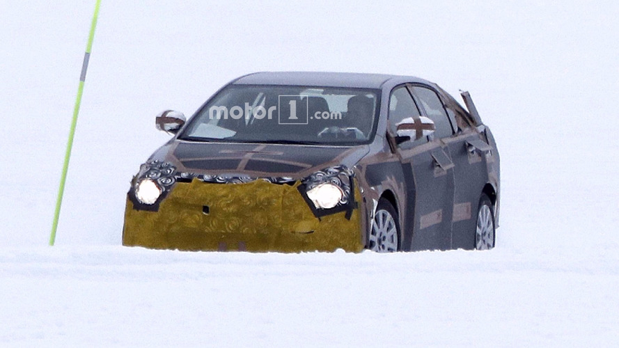 2019 Toyota Corolla spy photos