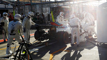 Lance Stroll, Williams, retires from the race in the pit lane
