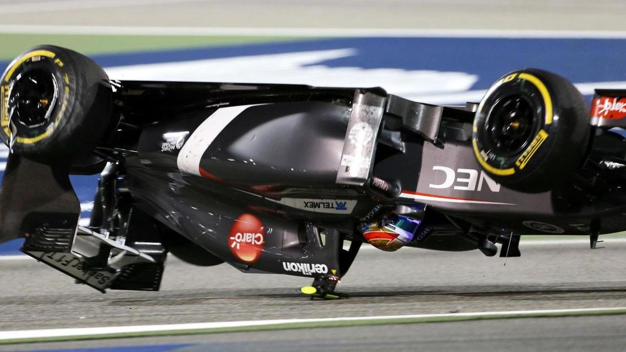 Esteban Gutierrez (MEX), Sauber F1 Team crashes with Pastor Maldonado (VEN), Lotus F1 Team