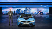 BMW i8 production version live in Frankfurt 10.09.2013