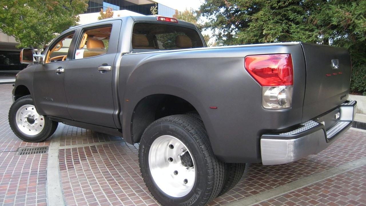 Toyota Tundra Diesel Dually at SEMA 2008