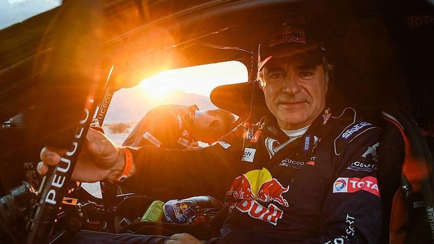 Sainz reina de nuevo en el Dakar, ocho años después