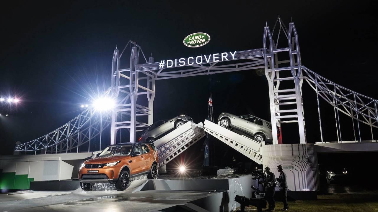 El Land Rover Discovery y el Récord Guinnes de Lego (2016)