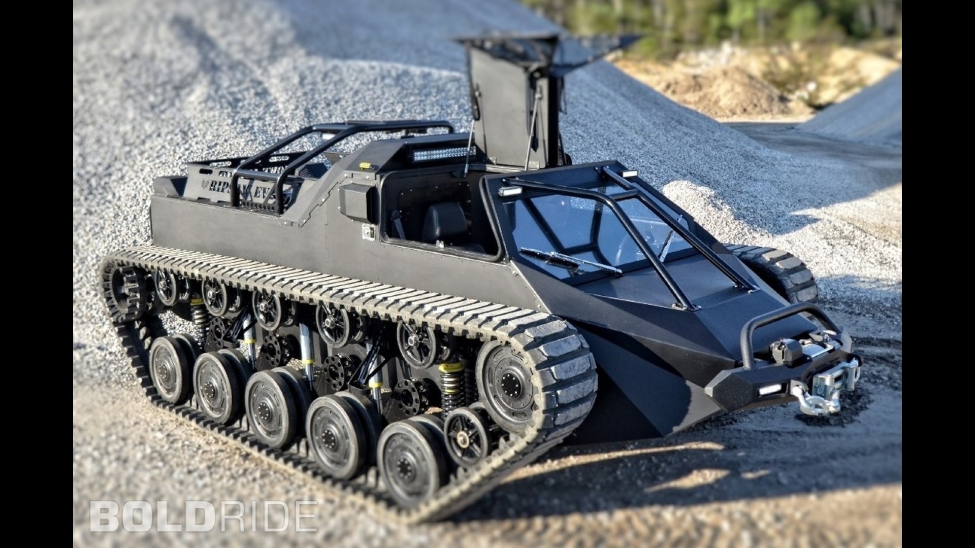 Armored Vehicles For Sale >> Howe and Howe Ripsaw EV2 Tank
