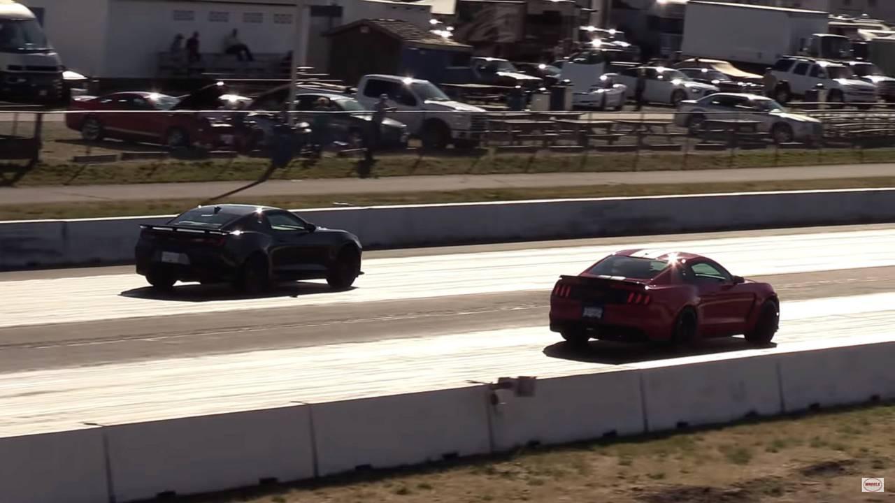 Camaro ZL1 vs Shelby GT350