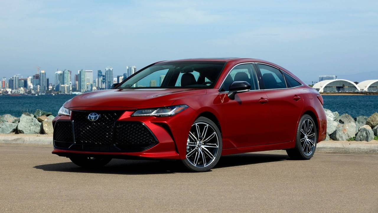 2019 toyota avalon starts at 35 500 hybrid priced at 36 500. Black Bedroom Furniture Sets. Home Design Ideas