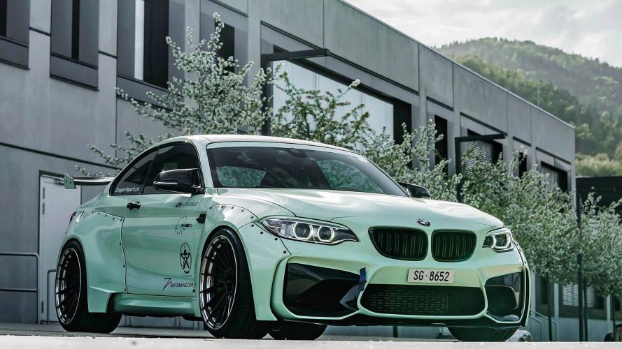 Cette BMW M2 vient définitivement d'une autre planète