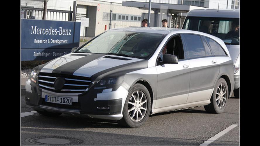 Erwischt: Mercedes renoviert die R-Klasse