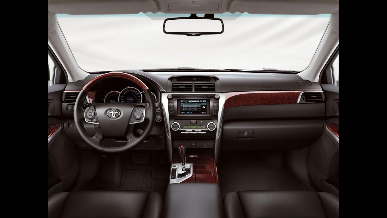 Toyota apresenta oficialmente nova geração do Camry europeu - Veja fotos